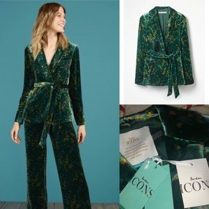 New with Tags Boden Icons sold out velvet blazer